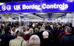 Los inmigrantes que no ganen más de £638 al mes, no podrán solicitar 'Benefits'. Bristol