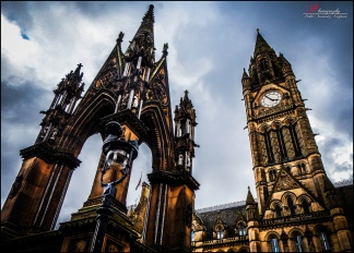 Manchester city hall by Pablo Fernández