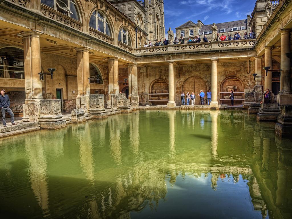 Baños romanos de Bath by Neil Howard