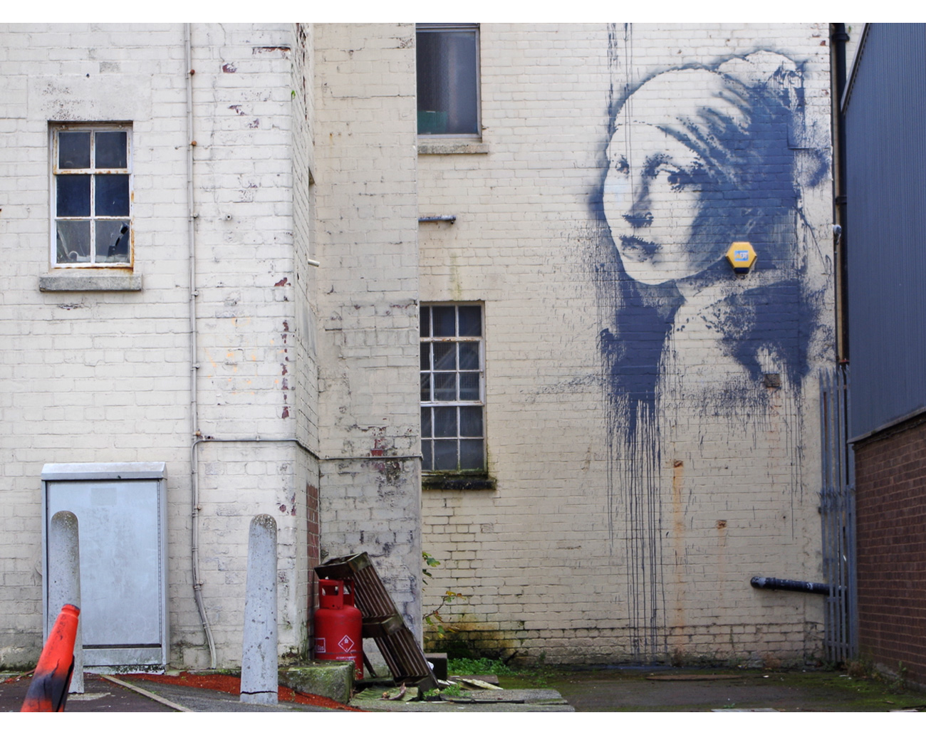 banksy bristol graffitti