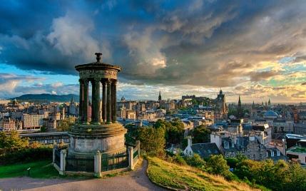 Andy Smith - Stormy Calton Hill, Edinburgh