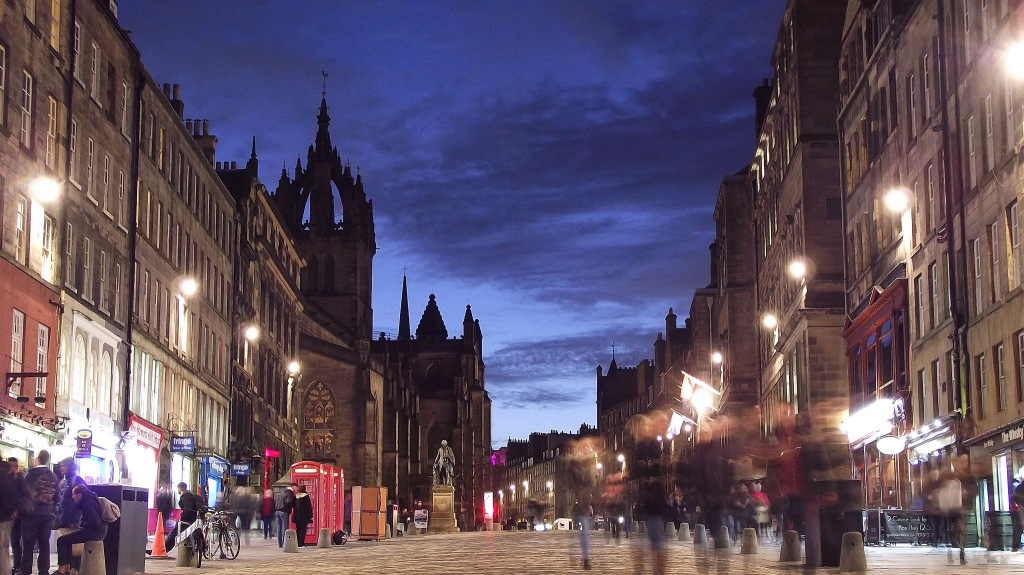 byronv2 - Royal Mile, Blue Hour