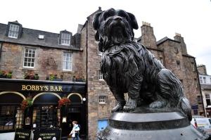 La estatua del famoso perro Bobby, en Edimburgo