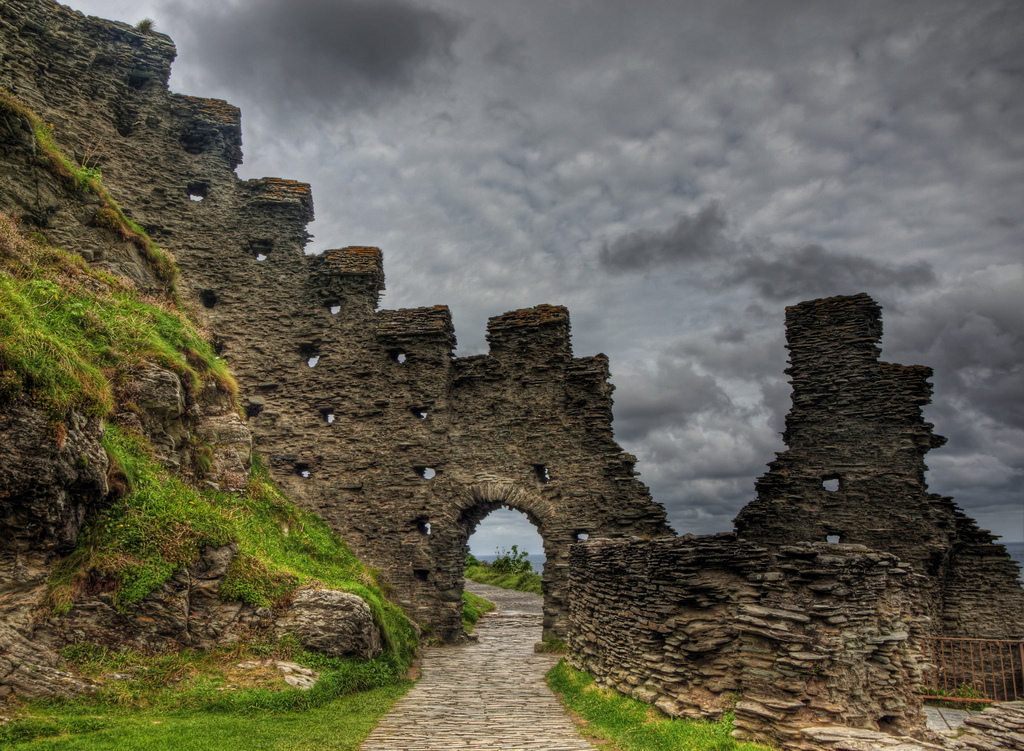 Tintagel Castle ruins Neil Howards_files