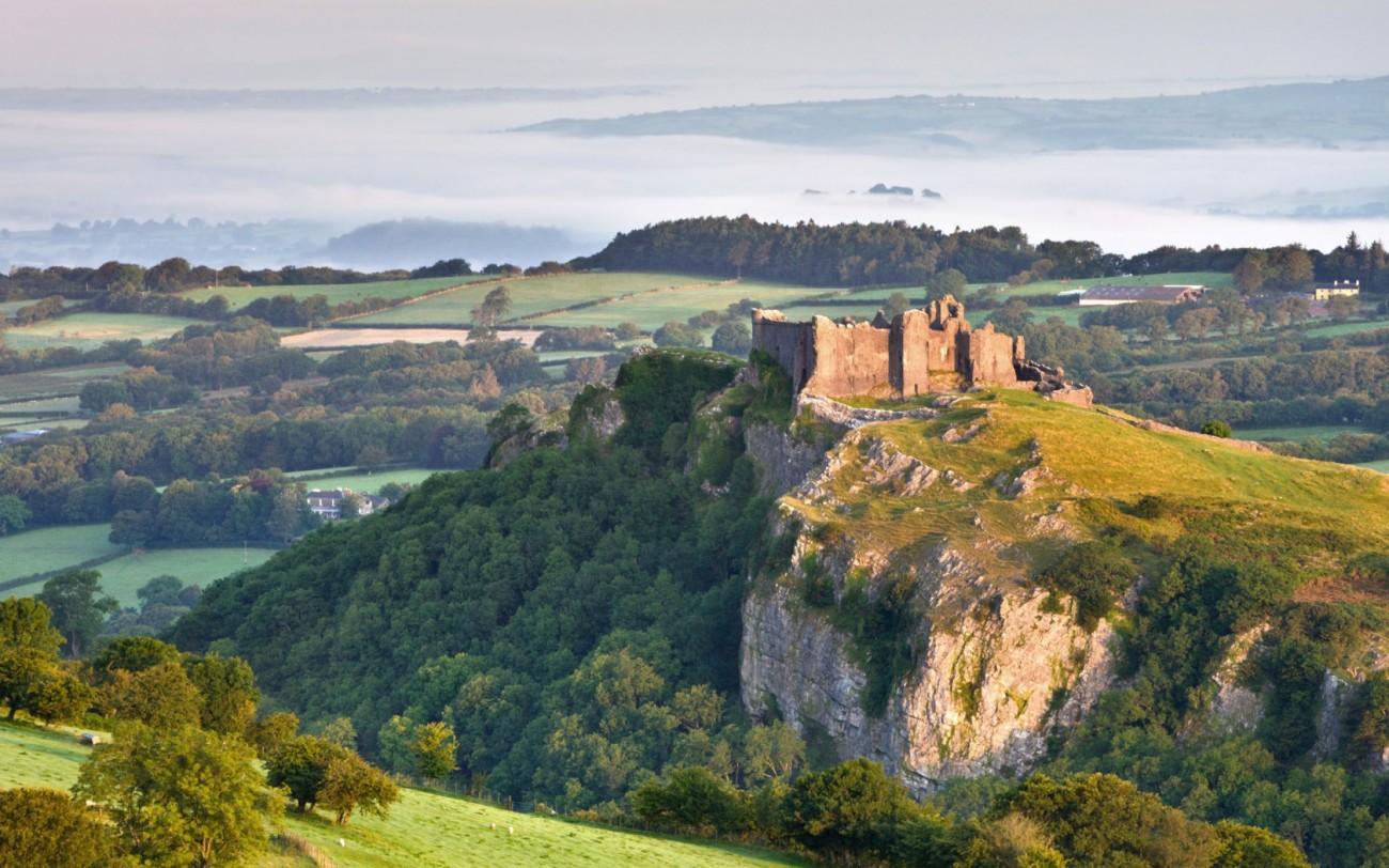 Carreg Cennen Castle, Wales