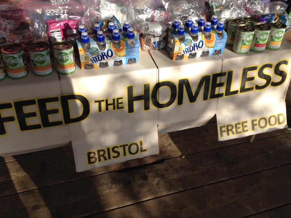 Se buscan voluntarios para donar comida a personas con pocos recursos en Bristol