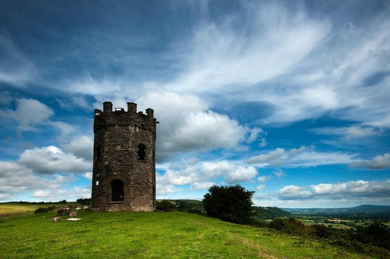 Folly Tower, en Gales