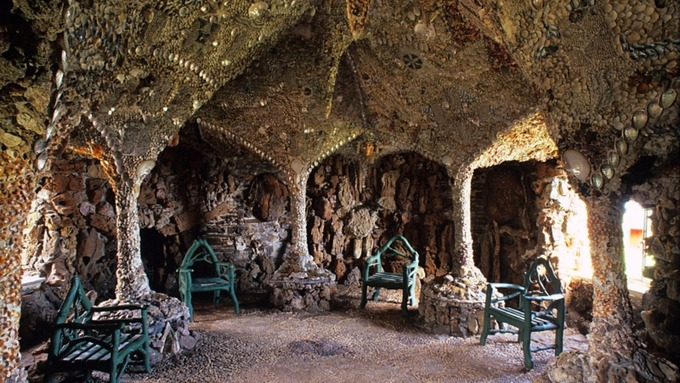 Shell Grotto, en Gales