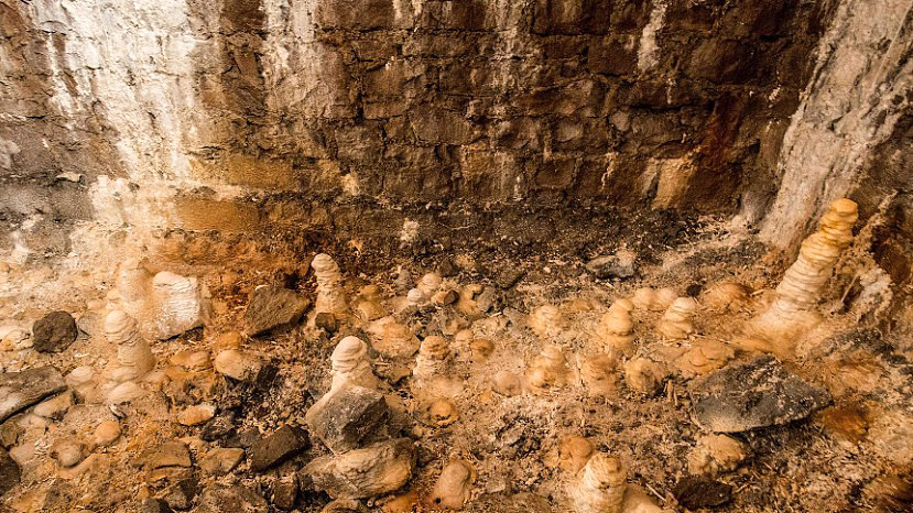 Estalagmitas en el interior del Clifton Suspension Bridge, en Bristol