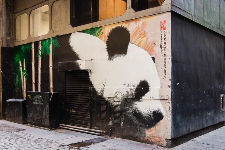 Graffiti panda en Glasgow