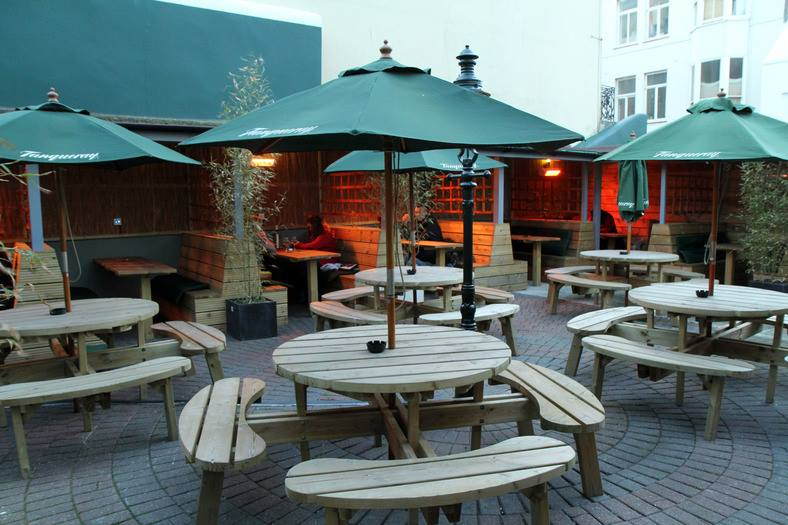 The Side Winder, terraza en Brighton