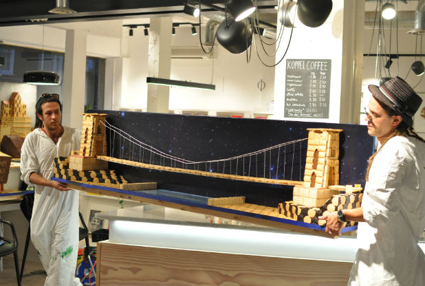 El Clifton Suspension Bridge de Bristol hecho con galletas