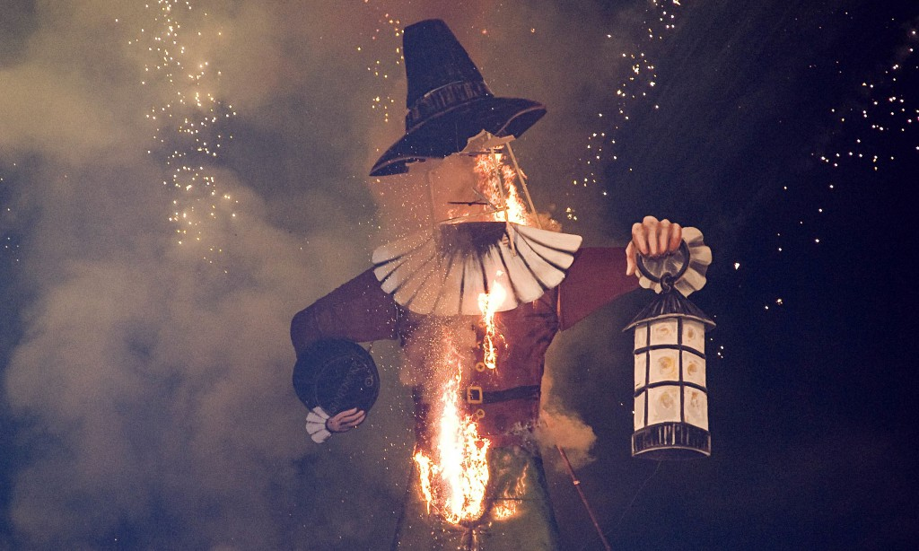 La recreación de Guy Fawkes en llamas / The Guardian