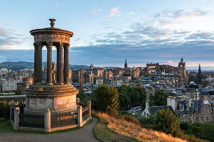 calton-hill_edinburgh_scotland_thinkstock-469186762