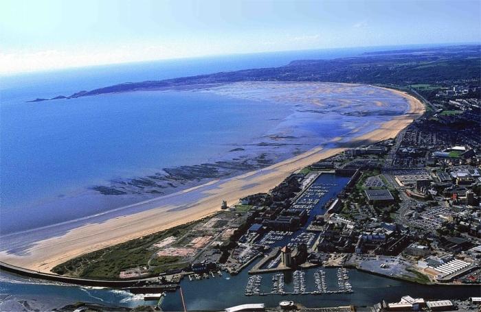 Swansea-UK1.jpg