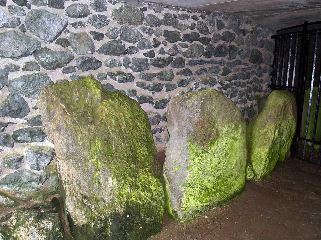 Barclodiad y Gawres, dos gigantes de Gales
