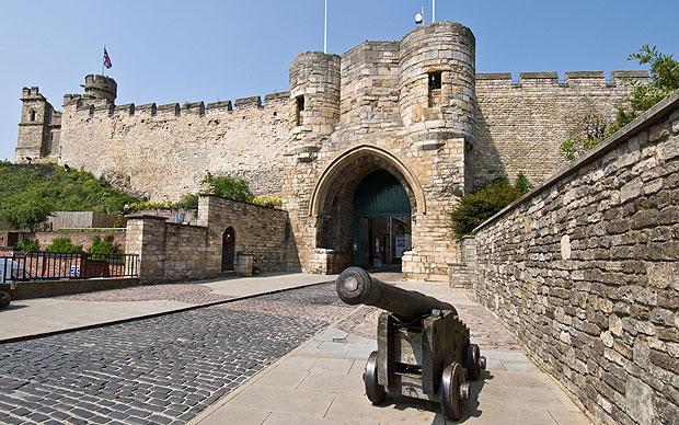 lincoln-castle_2286045a.jpg