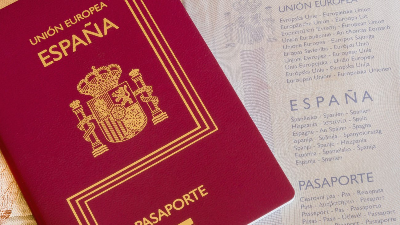Expedición pasaporte Embajada Española Londres
