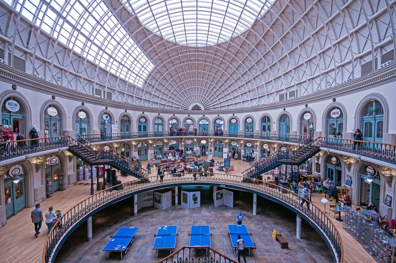 bvi4092 -- Inside the Corn Exchange - Leeds