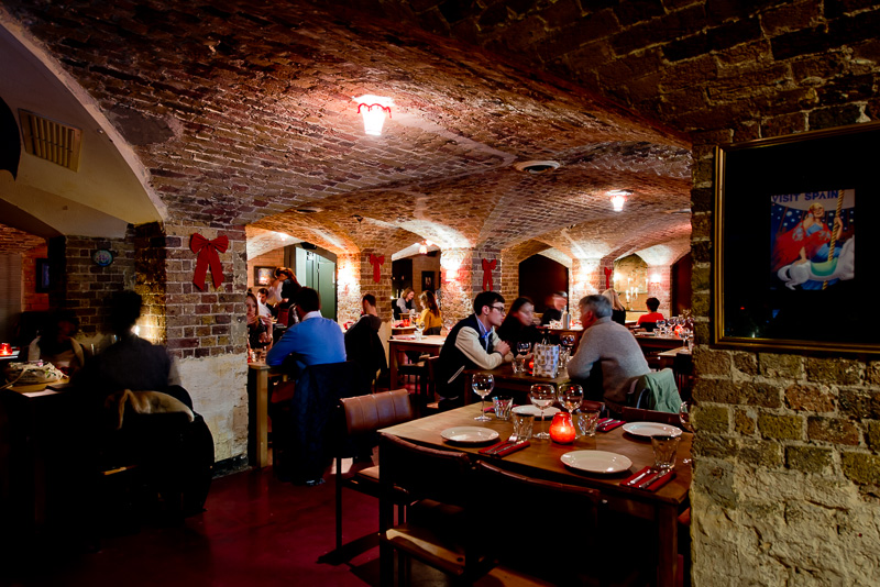 Gremio De Brixton, una iglesia de Londres transformada en un restaurante español