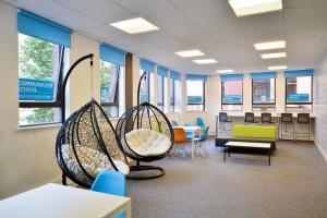 La sala común de la academia de inglés Communicate School, en Manchester