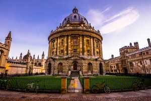 Oxford by Pablo Fernández